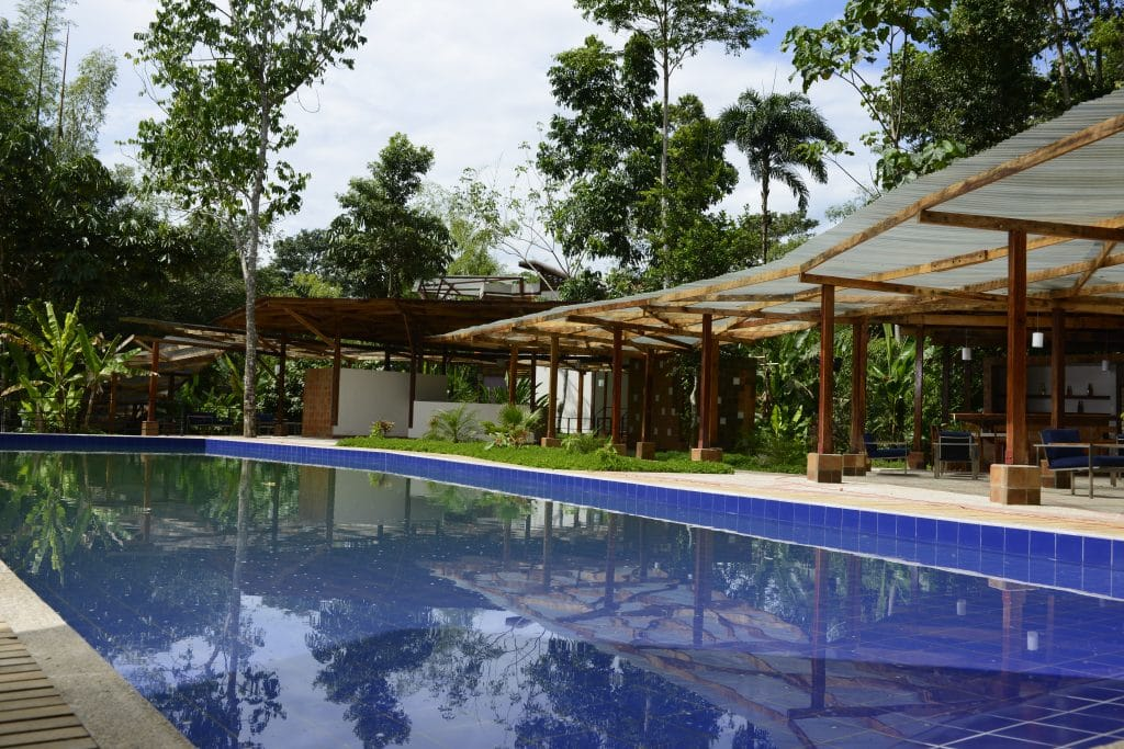 lodge-porte-amazonie-piscine